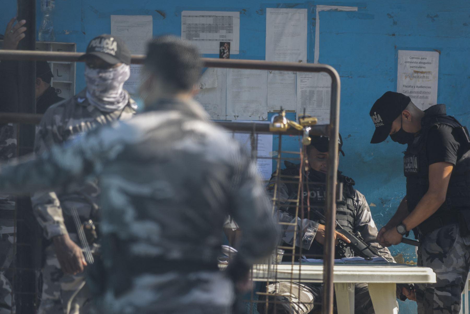 """Papa lamenta la \""""terrible explosión de violencia\"""" en cárcel de Ecuador"""