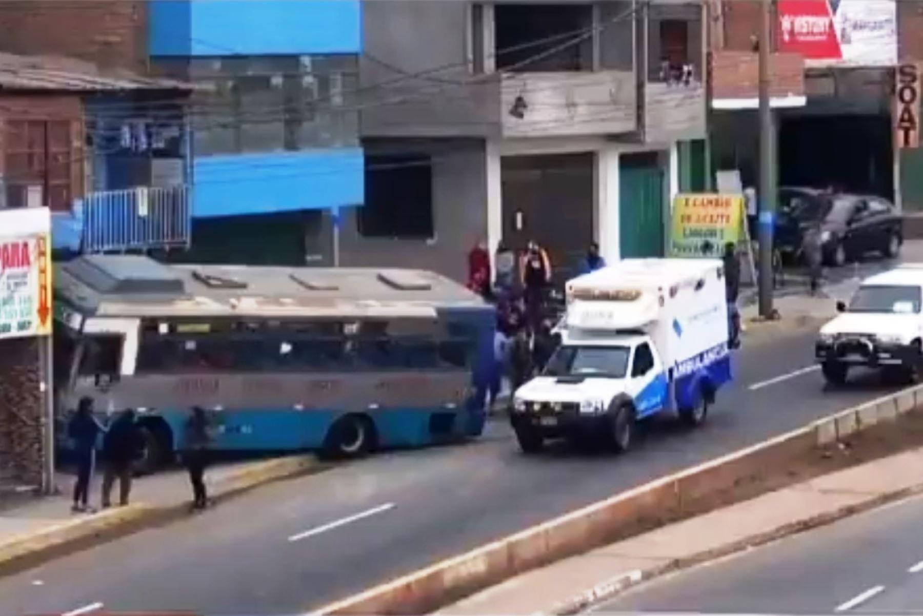 ATU investigará la colisión de un microbús contra una vivienda en Ventanilla. Foto: ANDINA/Difusión.
