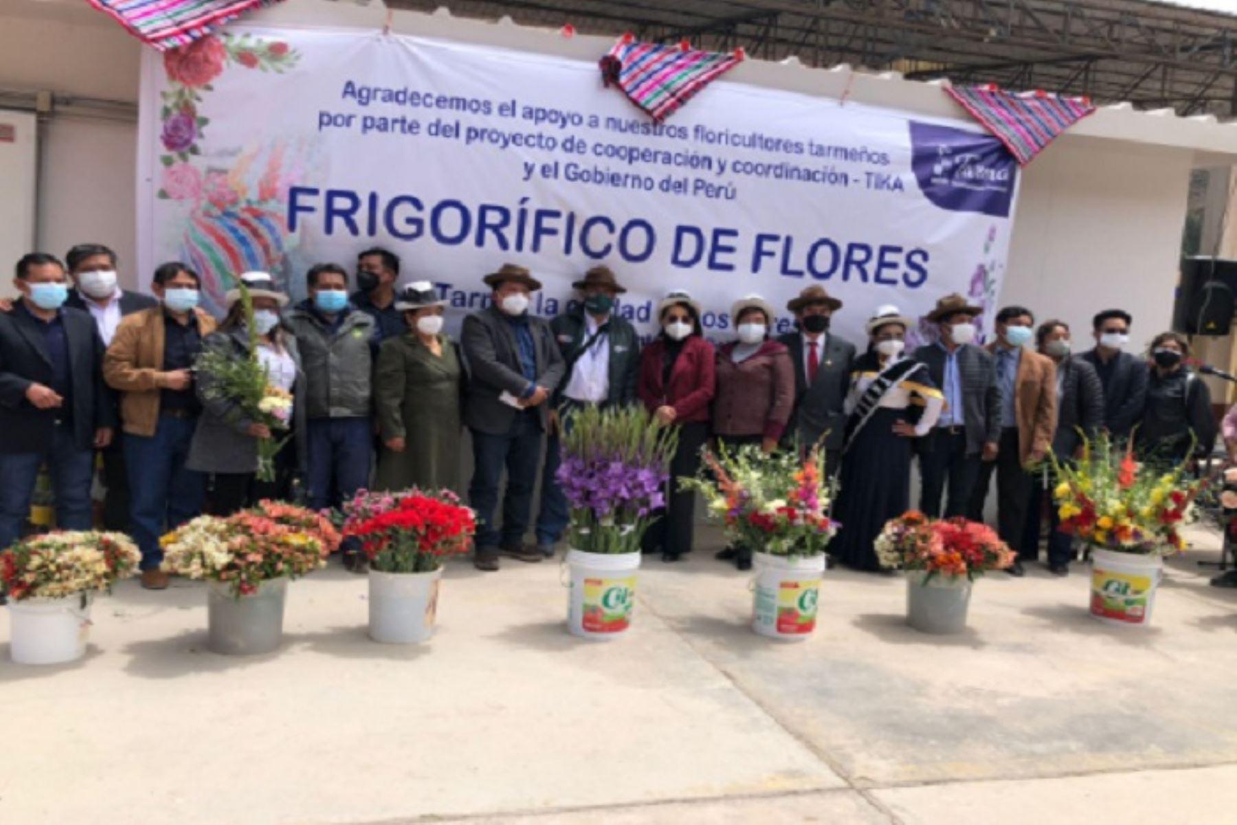 Perú cuenta con más de 7 mil familias productoras de flores y plantas.