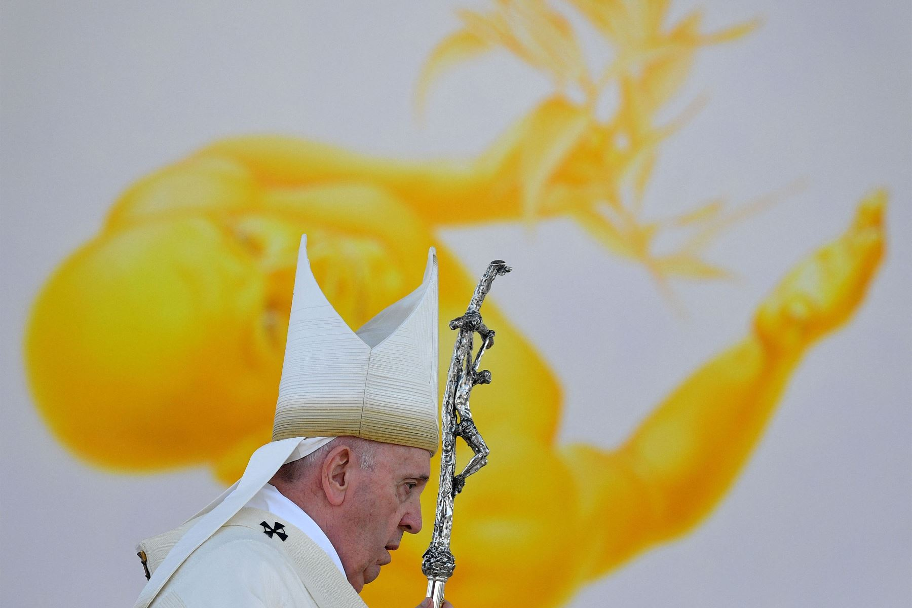 El Papa Francisco celebra una Santa Misa al aire libre en el Santuario Nacional en Sastin-Straze, a unos 70 km al norte de la capital eslovaca, Bratislava. Foto: AFP