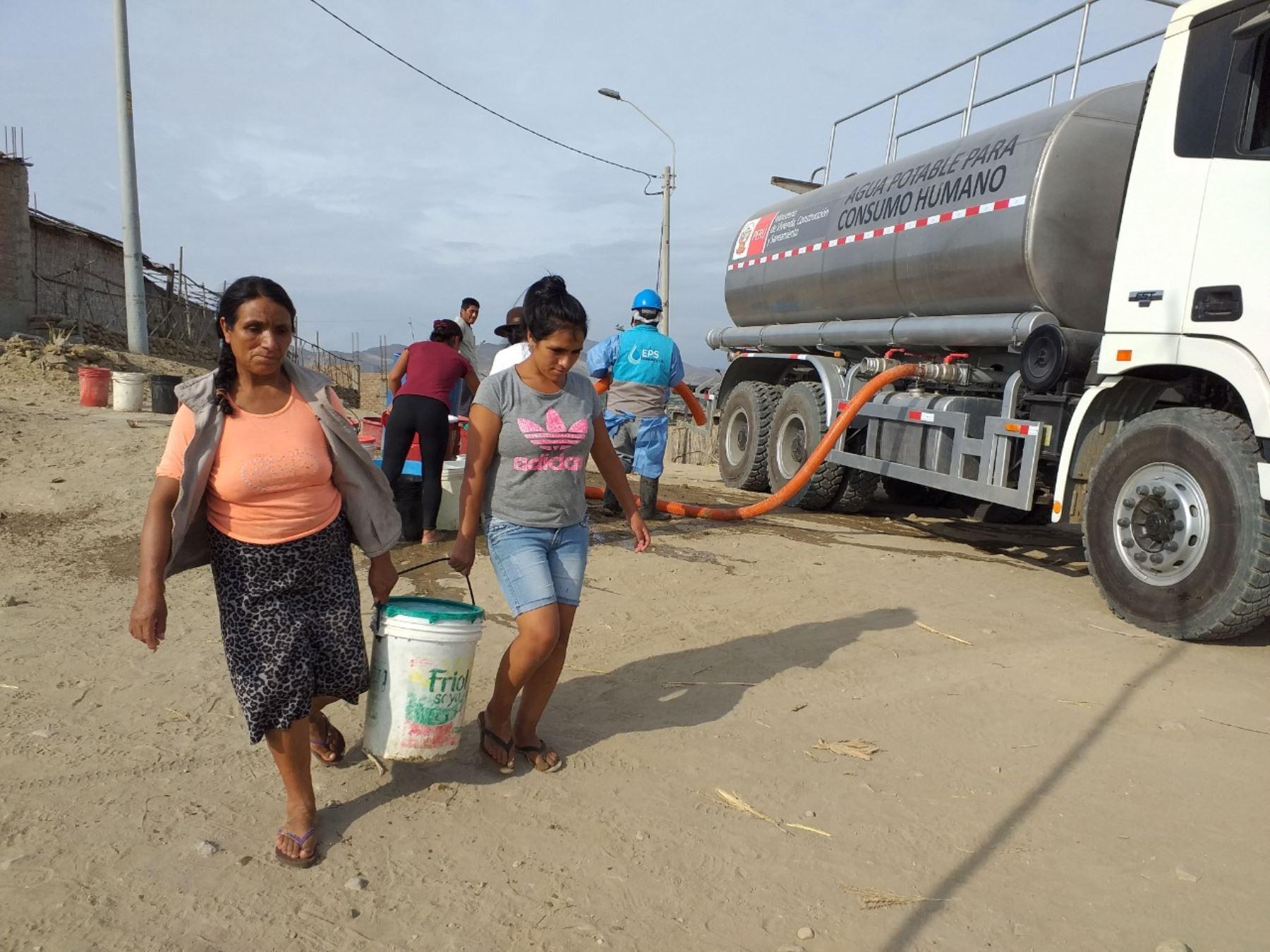 Gobierno garantiza continúe abastacimiento de agua sin costo para familias vulnerables