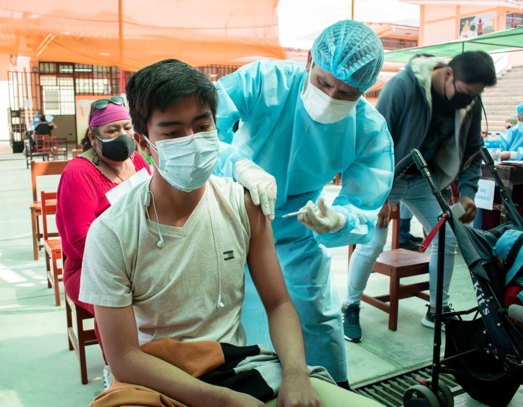 Áncash inicia hoy vacunación contra la covid-19 a jóvenes mayores de 20 años