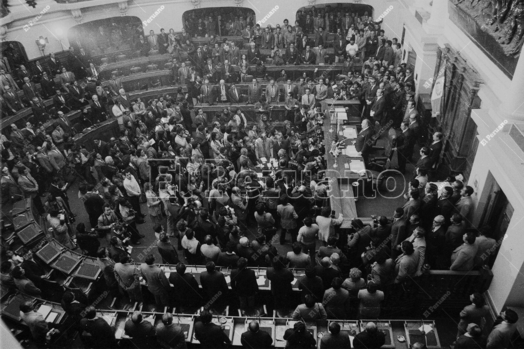 Lima - 18 de julio 1978 / En su calidad de representante con la mayor votación preferencial, el líder del Apra, Víctor Raúl Haya de la Torre, preside la Junta Preparatoria de la Asamblea Constituyente en el hemiciclo de la Cámara de Diputados del Congreso de la República.  Foto: Archivo Histórico de El Peruano / Raúl Sagástegui