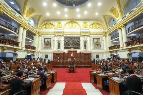 Sesión solemne por el 199 aniversario del Congreso de la República