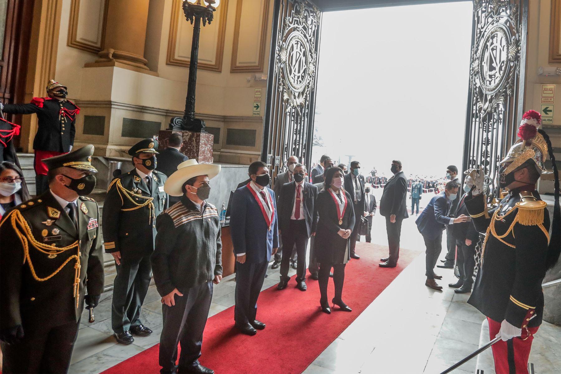 El presidente de la República, Pedro Castillo, participa en la sesión solemne por el 199.° aniversario del Congreso de la República. Foto: ANDINA/Prensa Presidencia
