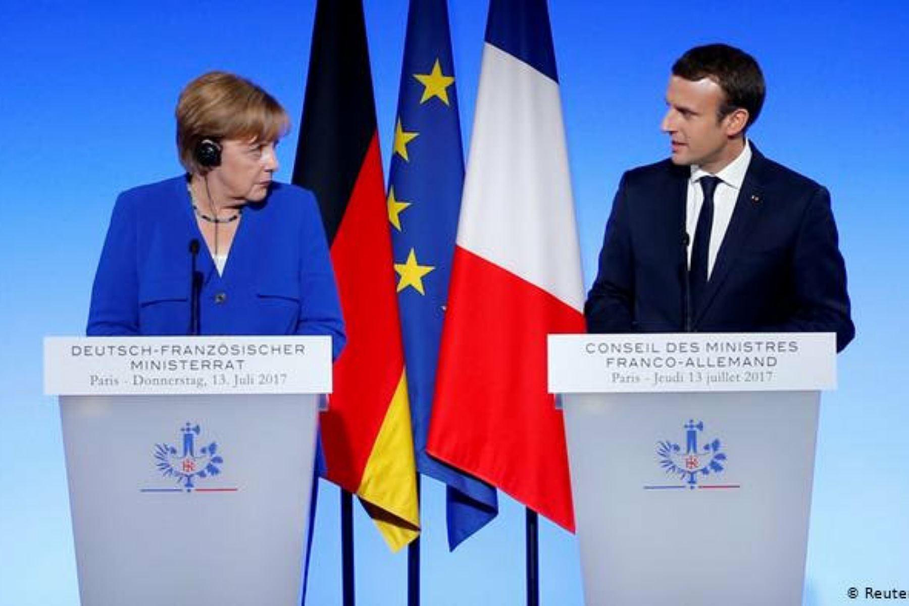 Emmanuel Macron y Angela Merkel evalúan cómo facilitar la salida de europeos de Afganistán