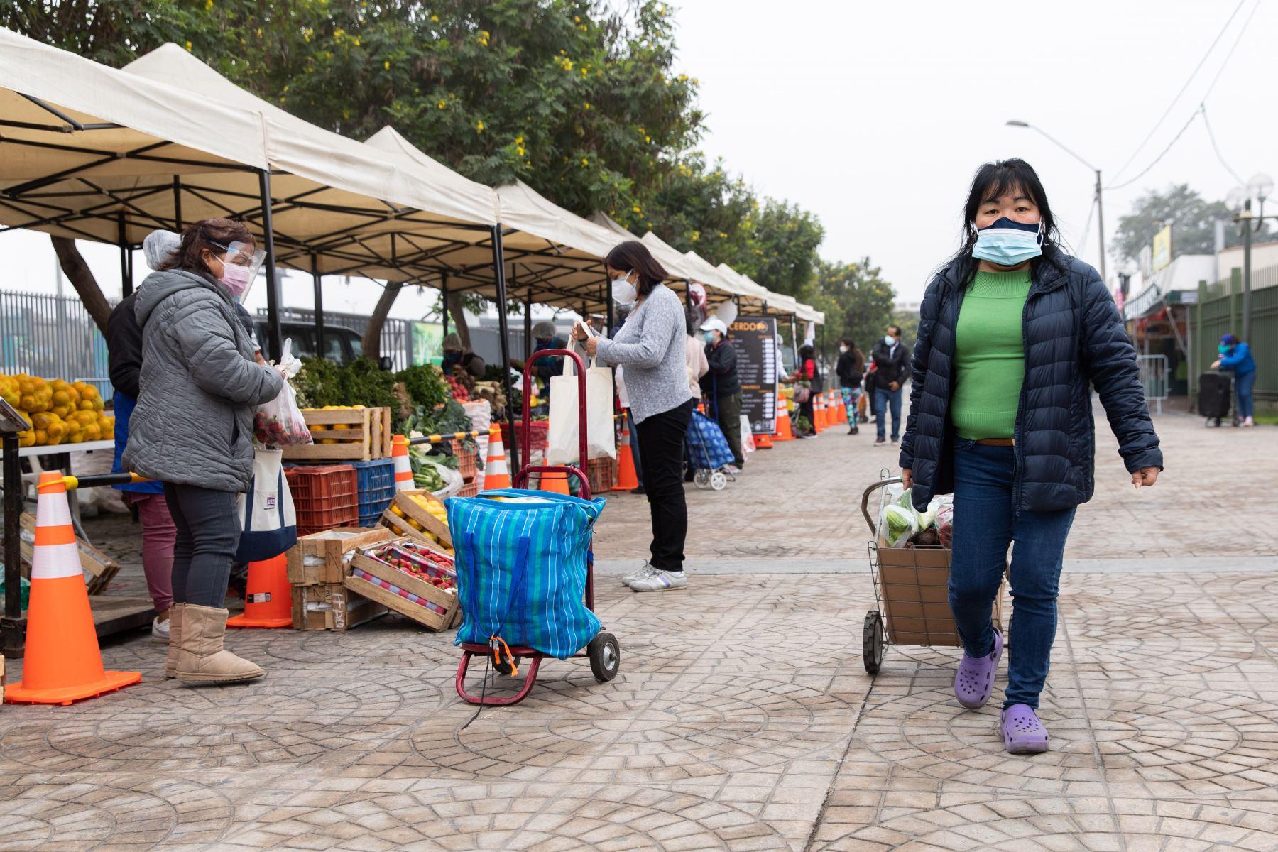Municipalidad de Lima  promueve los Mercados Móviles en el Cercado de Lima. Foto: MML
