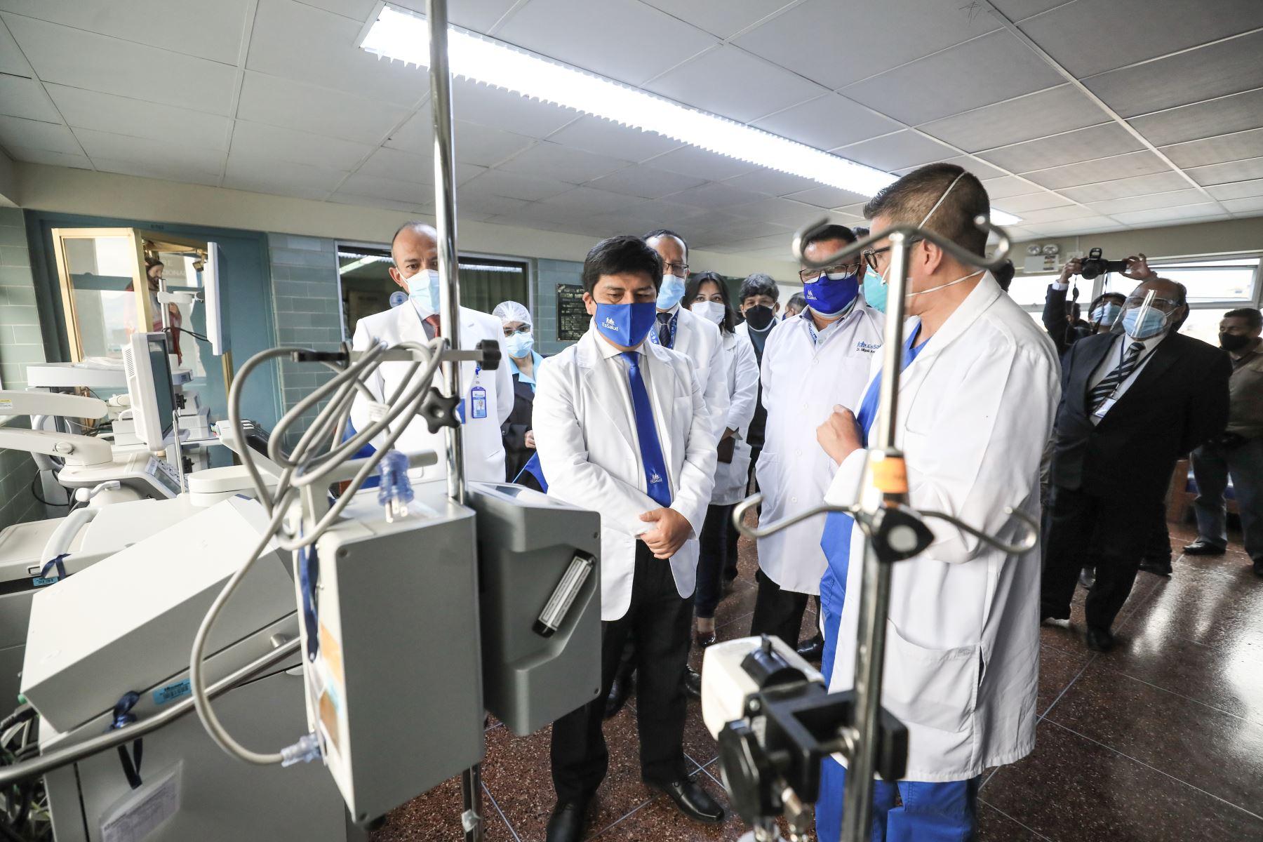 Presidente de EsSalud, Mario Carhuapoma realiza el lanzamiento de Programa Nacional Misión INCOR, en Junín, con el objetivo de atender el embalse de cirugías cardiacas. Foto: EsSalud