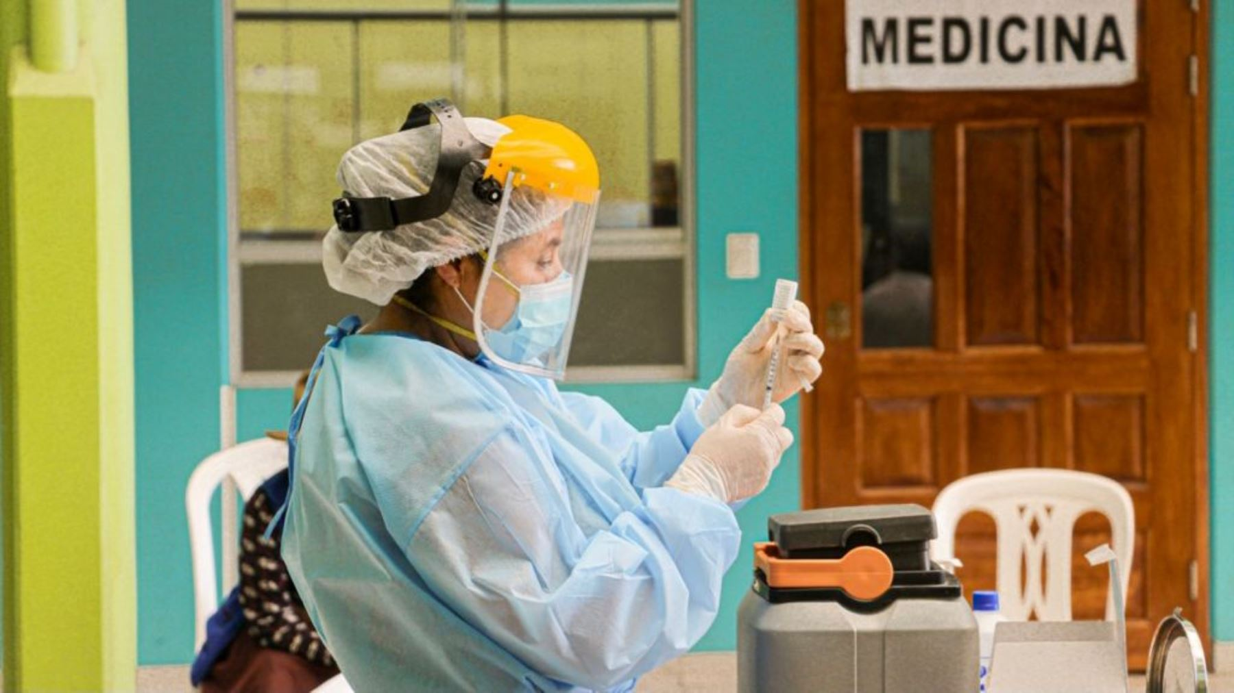 En Perú el 38% de la población objetivo ya recibió dos dosis contra la covid-19