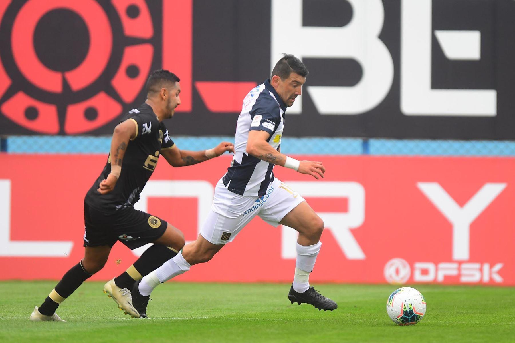 Alianza Lima choca ante Cusco FC por la fecha 11 de la Liga 1, en el estadio Alberto Gallardo. Foto: Liga 1