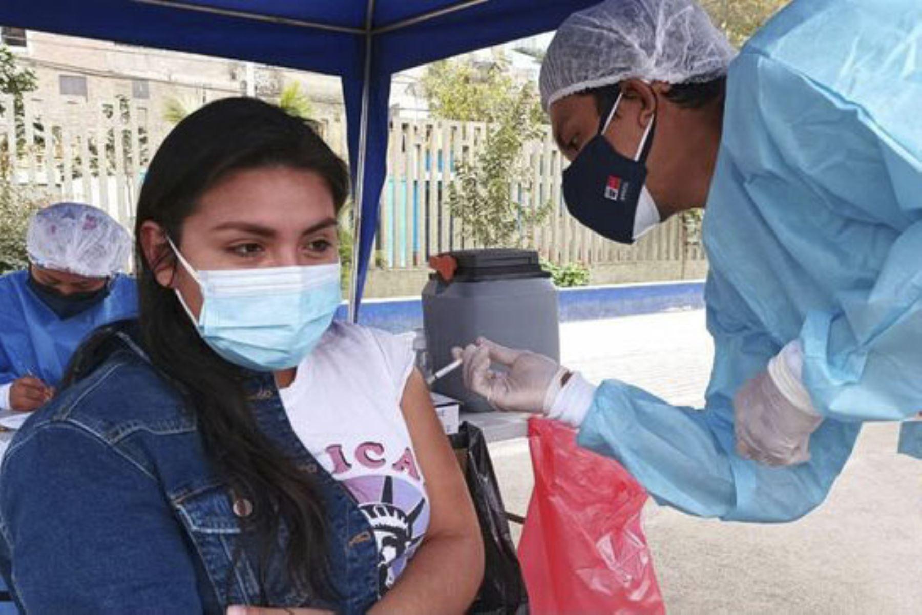 El proceso de vacunación contra la covid-19 continúa en todo el país. ANDINA/ Minsa