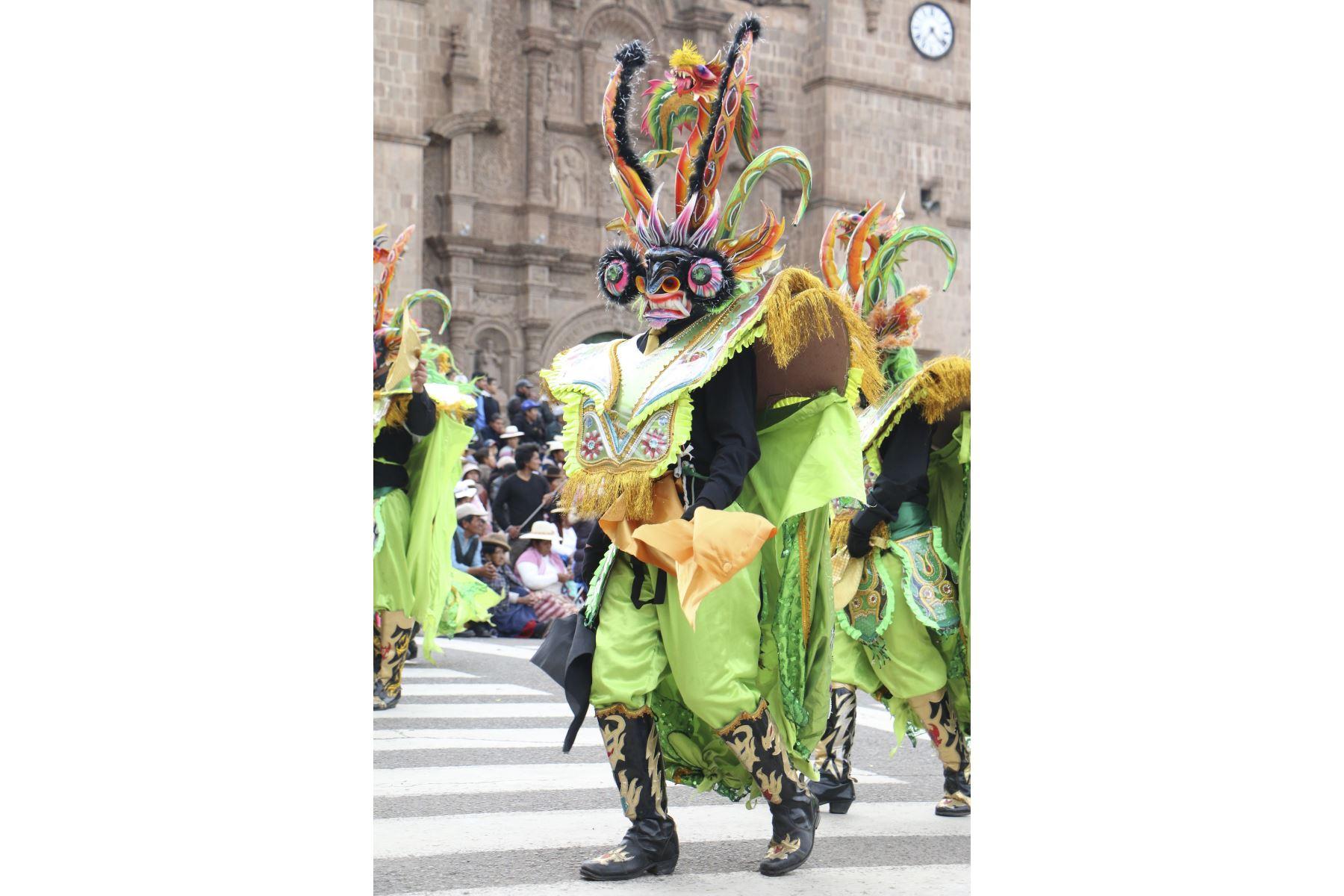 Con el fin de reconocer su trascendencia entre las expresiones artísticas y tradicionales, el Ministerio de Cultura declaró la danza Diablada Puneña como Patrimonio Cultural de la Nación, considerando la importancia que esta expresión ocupa en la identidad festiva y religiosa de la población de Puno. Foto: ANDINA/Archivo
