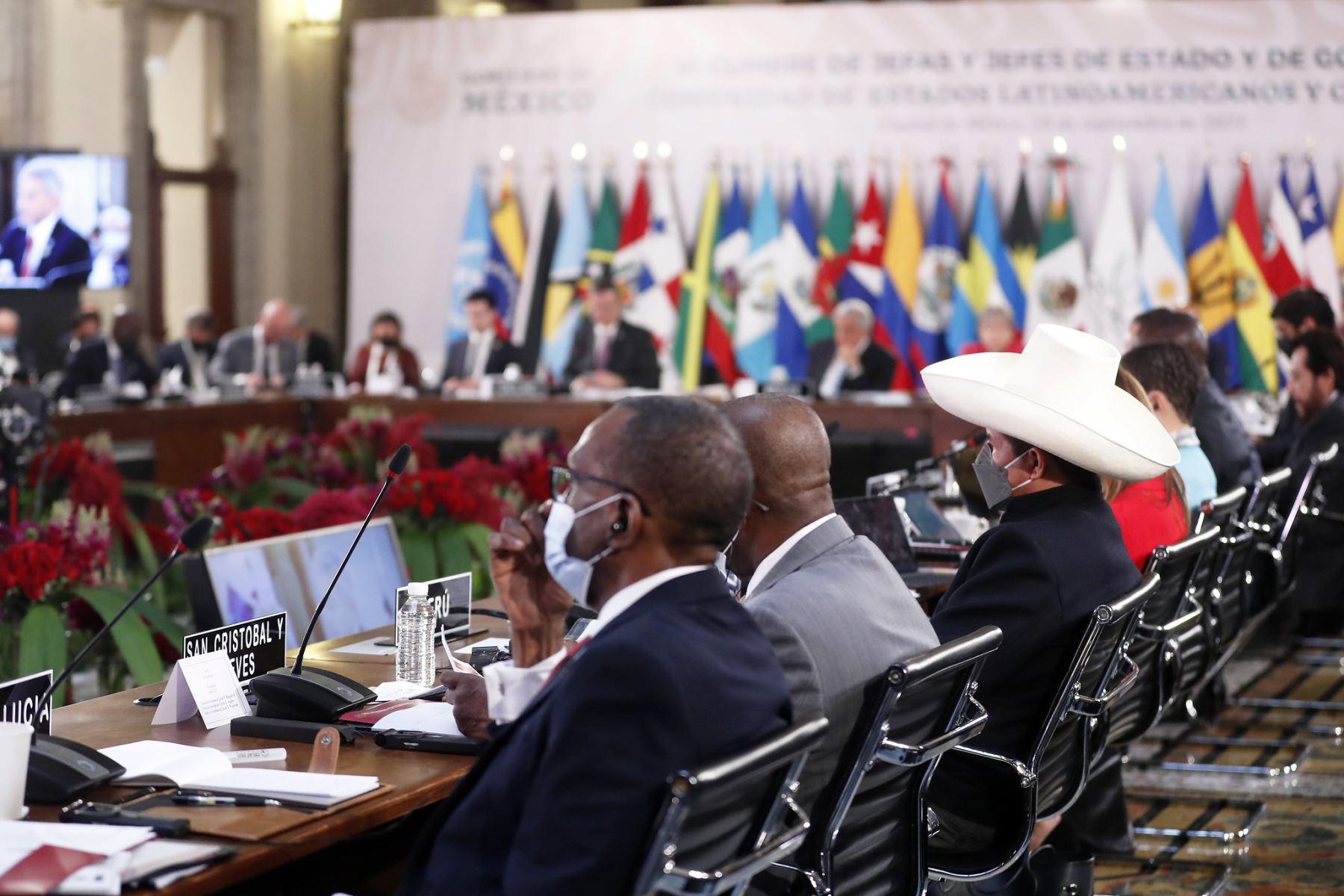 El presidente de la República, Pedro Castillo, participa en la VI cumbre de la Comunidad de Estados Latinoamericanos y Caribeños (Celac), en el Palacio Nacional de México. Foto: Presidencia