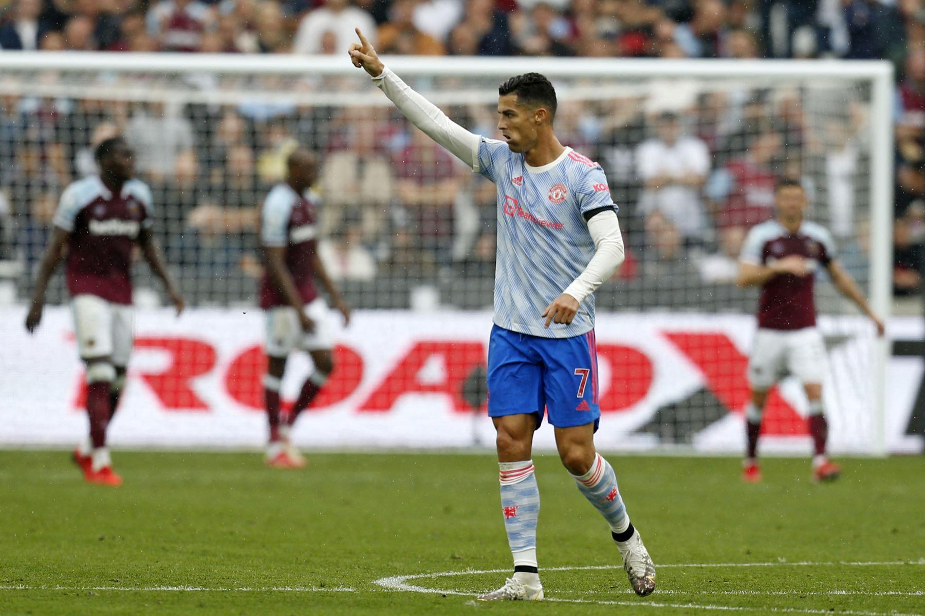 El delantero portugués del Manchester United, Cristiano Ronaldo, celebra tras anotar su primer gol durante el partido de la Premier League. Foto: AFP