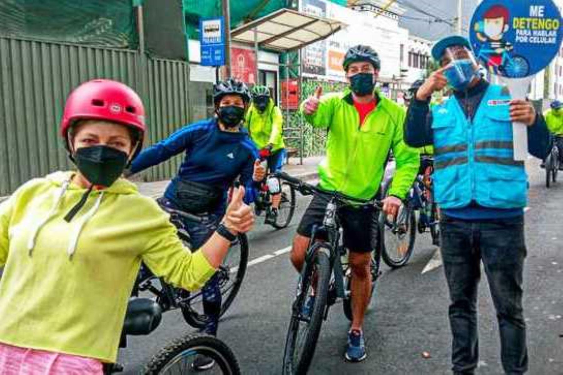 ATU recorre paraderos para sensibilizar sobre el respeto a las normas de tránsito. Foto: ANDINA/Difusión.