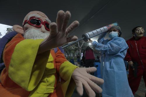 Más de dos millones de peruanos fueron vacunados en la semana contra el covid-19