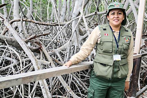 Jefa del Santuario Nacional Los Manglares de Tumbes, Rosa Liliana García García.