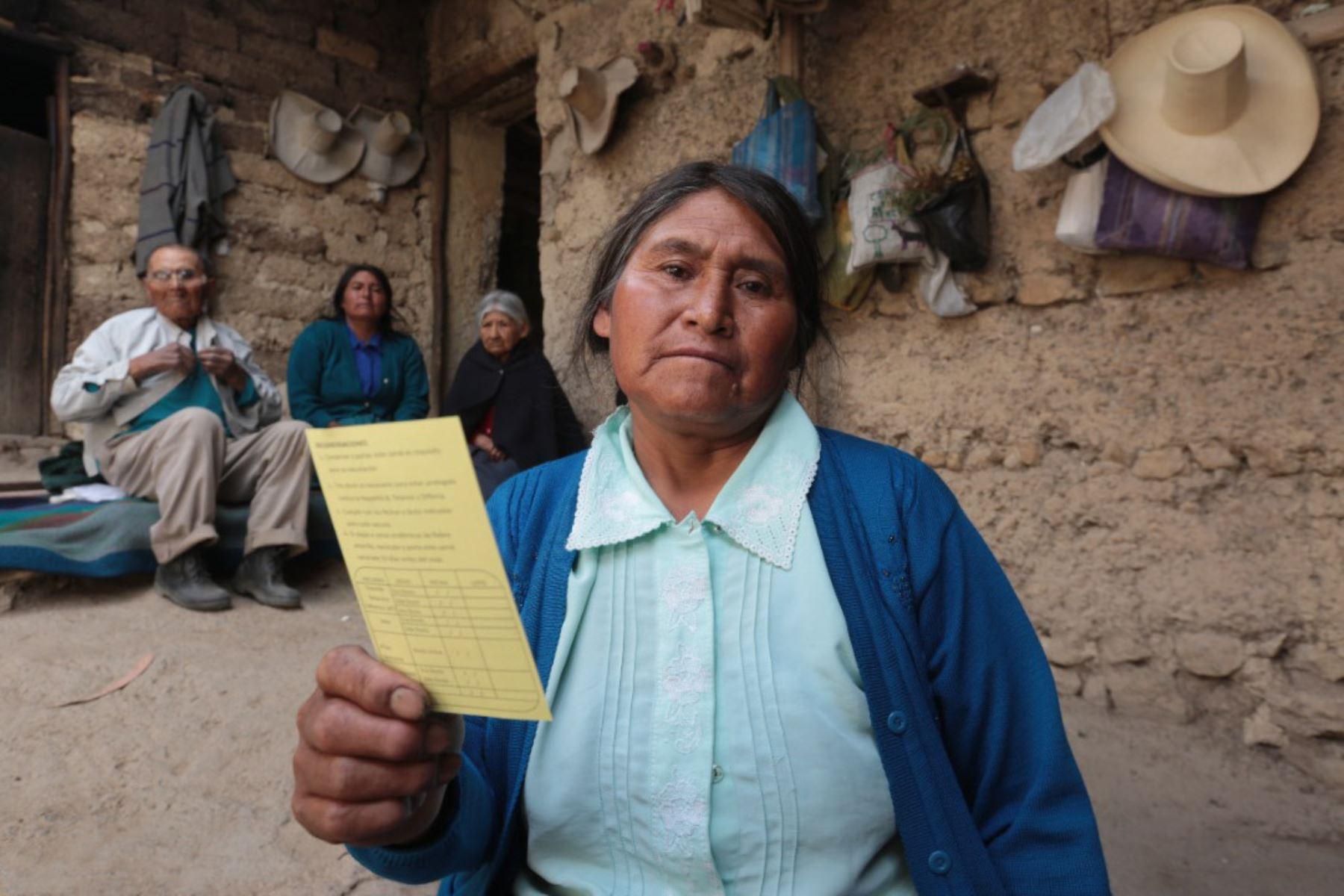 Pobladores de diversas provincias de Cajamarca reciben la vacuna contra la covid-19. Foto: ANDINA/Difusión