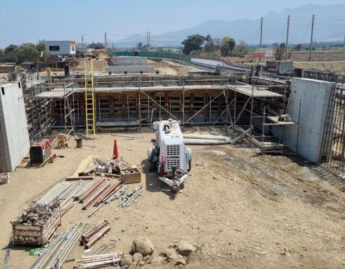 El MTC resaltó los avances en la construcción de puente Virú en la Panamericana Norte, en la región La Libertad. Foto: ANDINA/difusión.