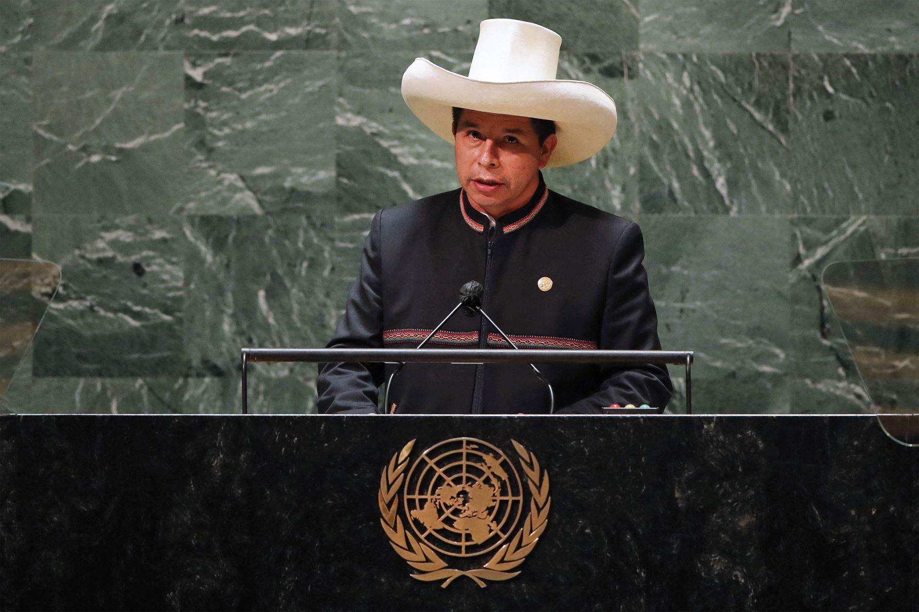 El presidente de Perú, Pedro Castillo, se dirige al 76 ° período de sesiones de la Asamblea General de la ONU en Nueva York. Foto: AFP