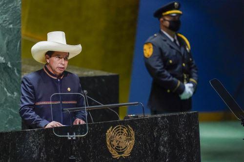 El presidente Pedro Castillo  brinda su discurso en el Debate General de la 76.° Asamblea General de la ONU