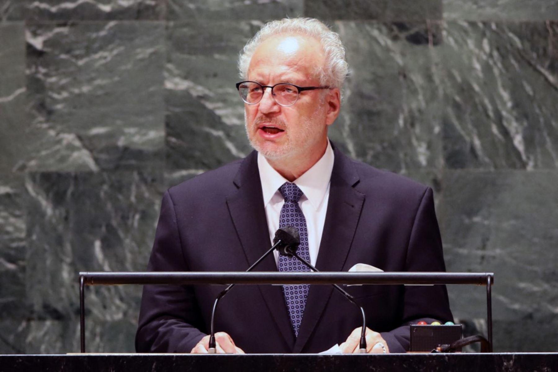 El presidente de Letonia, Egils Levits, habla durante el 76 ° período de sesiones de la Asamblea General de las Naciones Unidas (AGNU) en la sede de la ONU el 21 de septiembre de 2021 en Nueva York. Foto: AFP