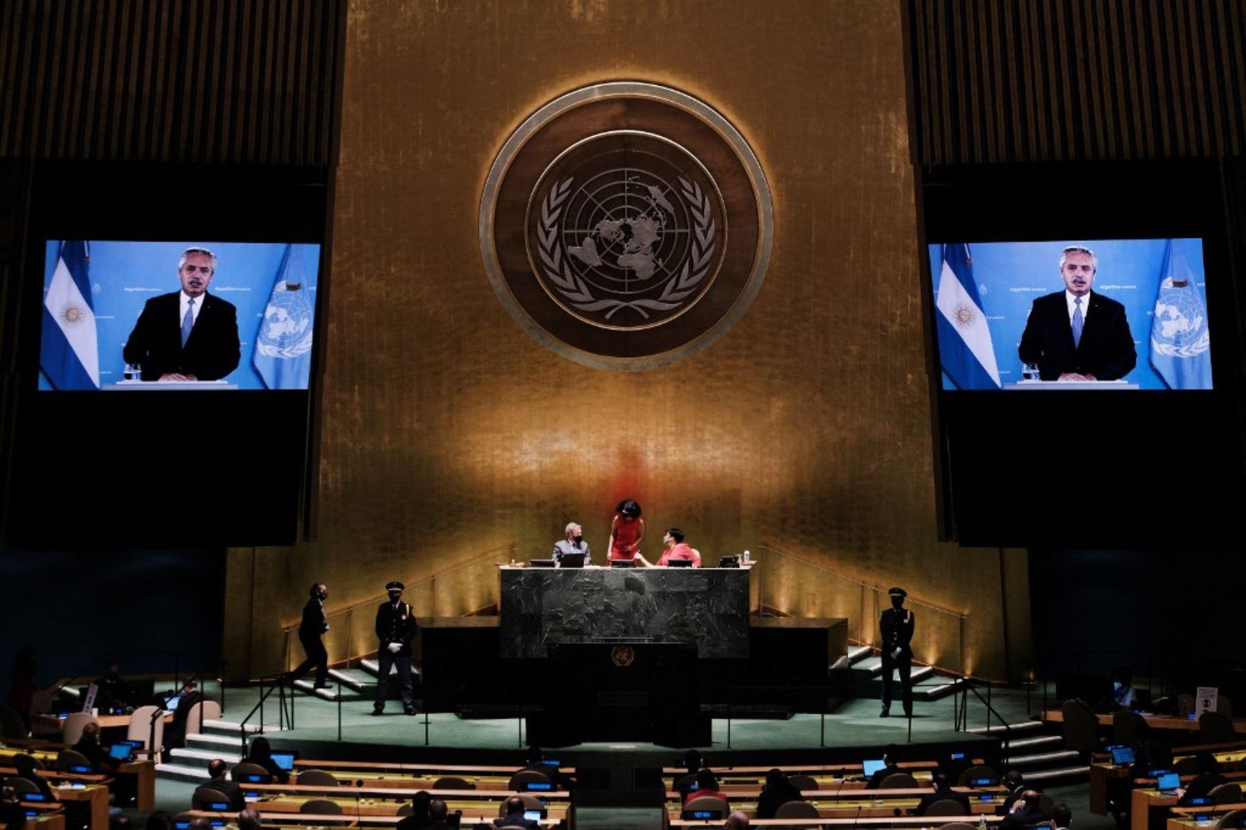 El presidente de Argentina, Alberto Fernández, se dirige virtualmente al 76 ° período de sesiones de la Asamblea General de la ONU el 21 de septiembre de 2021 en Nueva York. Foto: AFP