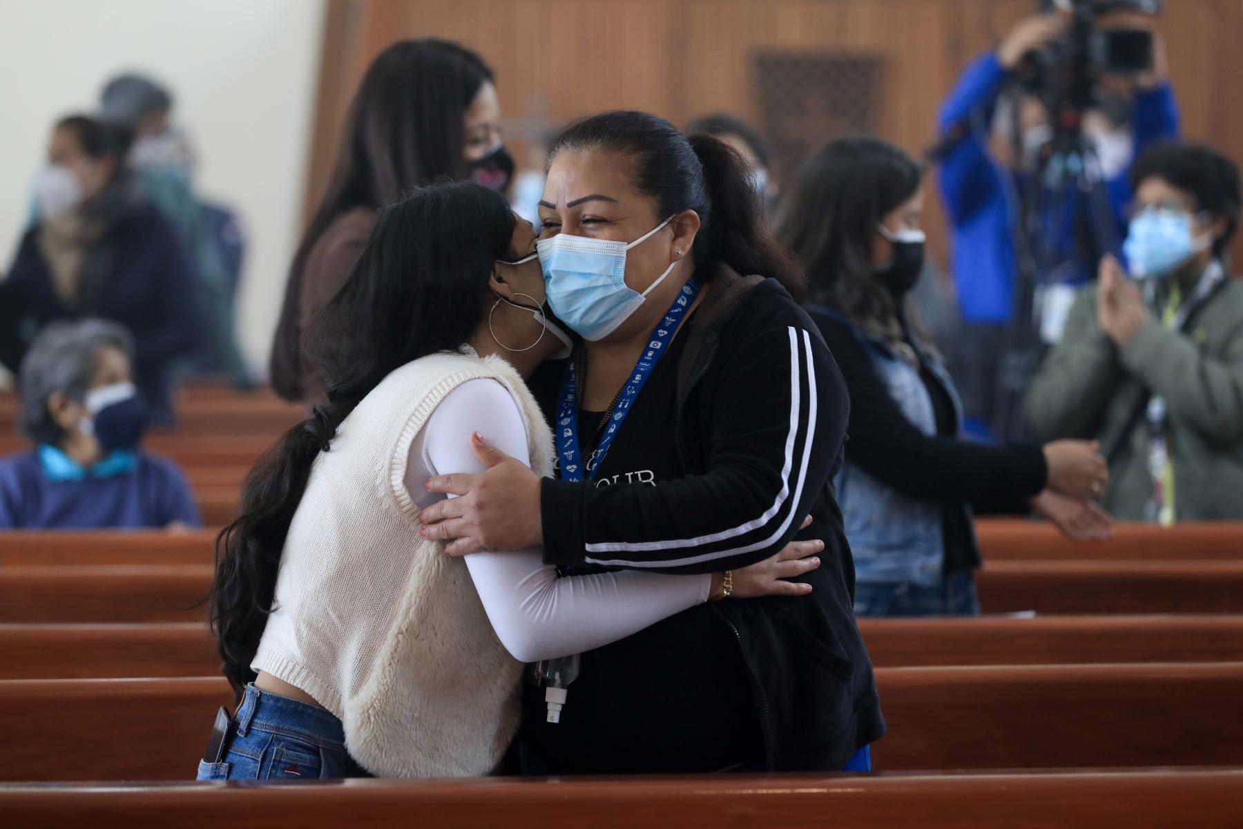 Misa por la Semana del Donante de Órganos y Tejidos. EsSalud realizó exitosos trasplantes durante la pandemia, que se lograron gracias a las familias que respetaron la voluntad de sus seres queridos de donar órganos y tejidos para que otras personas sigan viviendo. Foto: EsSalud