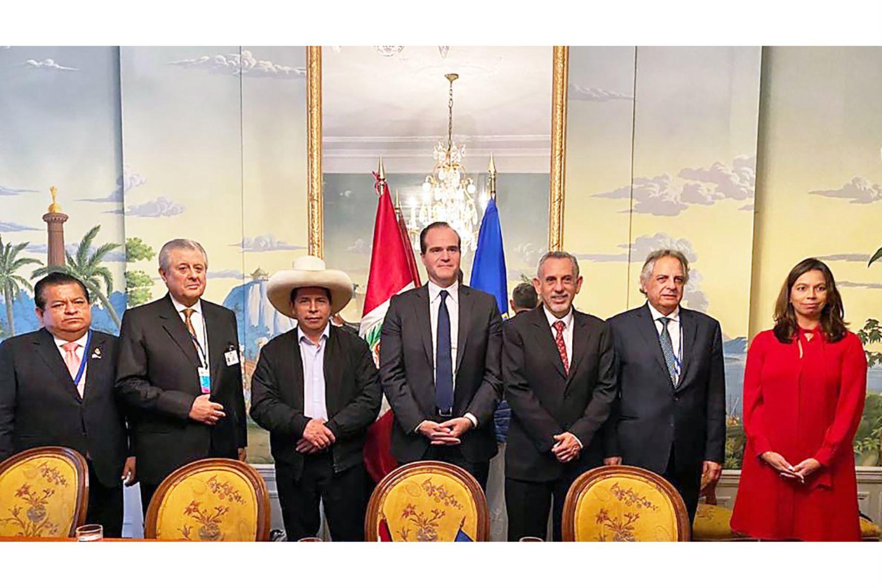 El presidente Pedro Castillo se reunió con el titular del BID, Mauricio Claver-Carone.