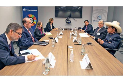 Presidente Pedro Castillo se reunió con presidentes del BID y Banco Mundial