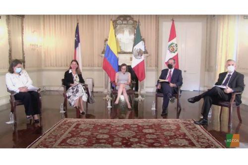 Ministro de Economía y Finanzas, Pedro Francke, sostuvo una reunión con representantes de la Alianza del Pacífico. ANDINA/Difusión