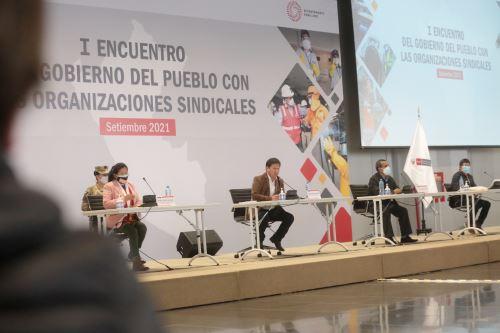 Primer Encuentro del Gobierno del Pueblo con las Organizaciones Sindicales
