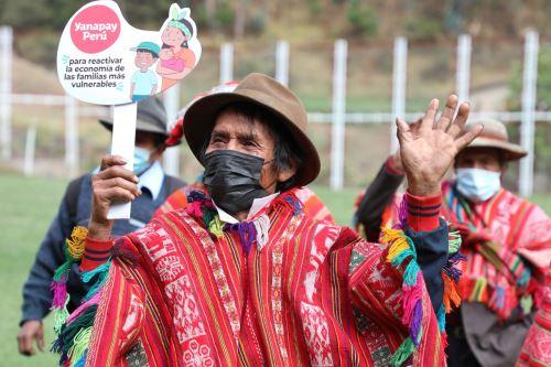 'Carritos pagadores' llevaron subvención bimestral y el Yanapay a usuarios de Pensión 65 del Cusco