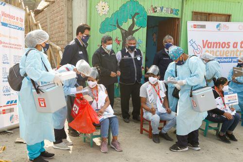 Vacunación contra la Covid-19 en el AA.HH. Integración Virgen de Fátima en San Juan de Lurigancho