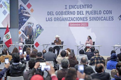 Presidente Pedro Castillo se reúne con más de 300 dirigentes de organizaciones sindicales