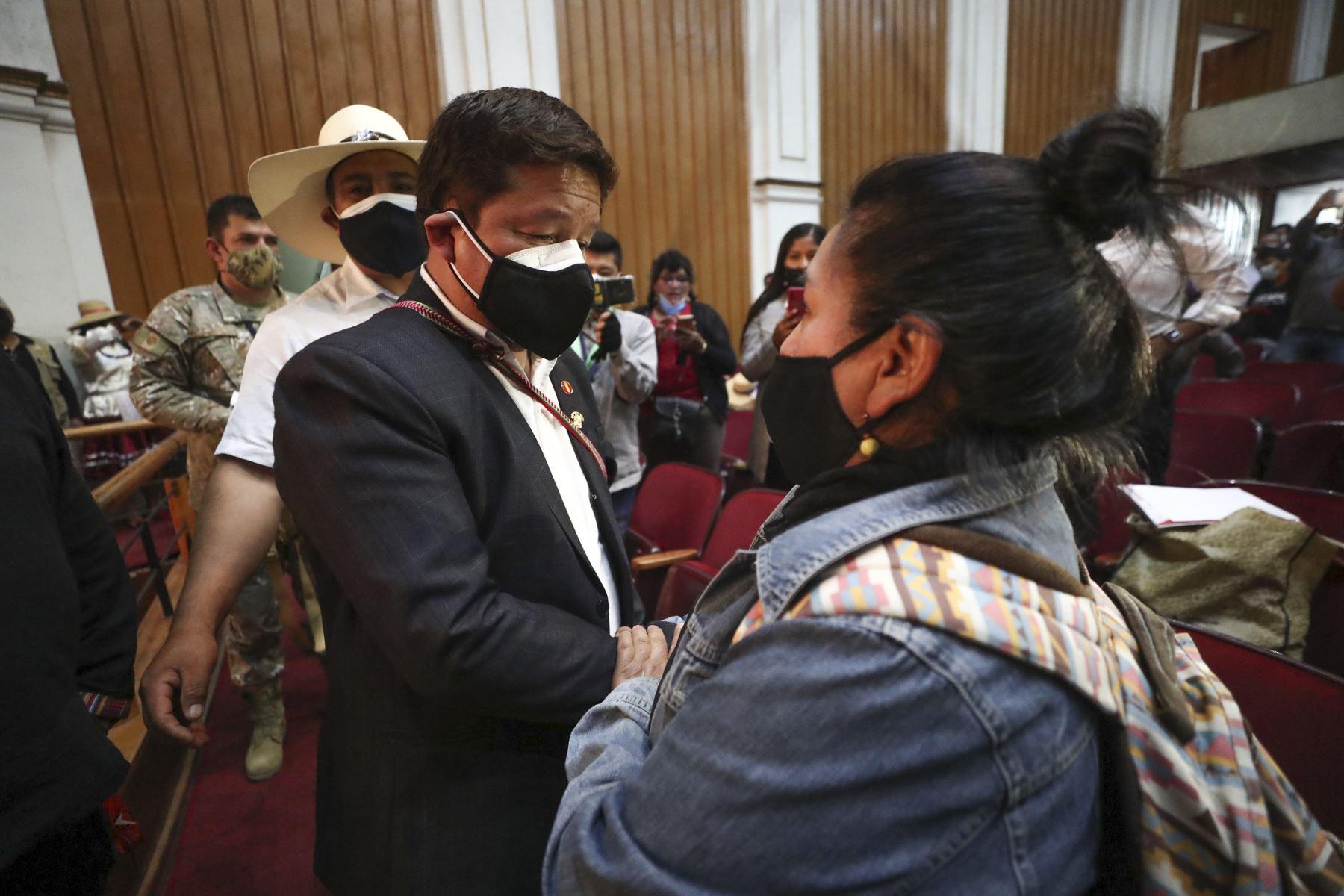 El presidente del Consejo de Ministros, Guido Bellido, participa en encuentro con organizaciones sindicales y sociales, en la región Arequipa. Foto: PCM