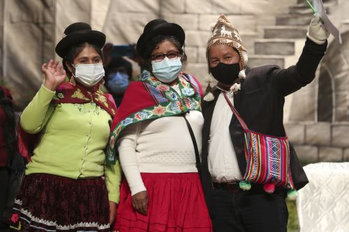Titular de la PCM participa en encuentro con organizaciones sindicales y sociales en Arequipa