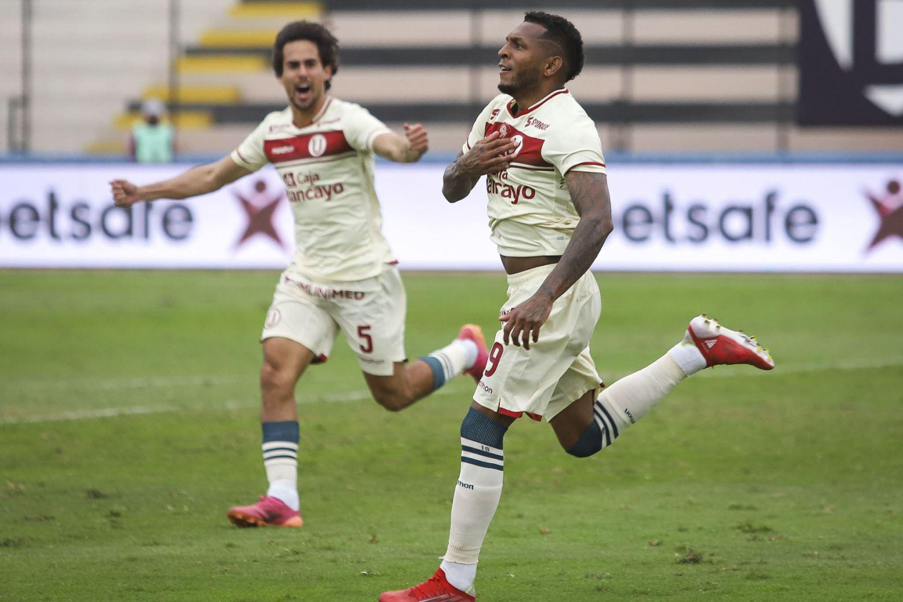 Alberto Quintero celebra anotación del tercer gol. Universitario de Deportes gana 3 a 1 a Sport Huancayo en un partido por la fecha 13 de la Fase 2 de la Liga 1 Profesional. Foto: ANDINA/Liga 1