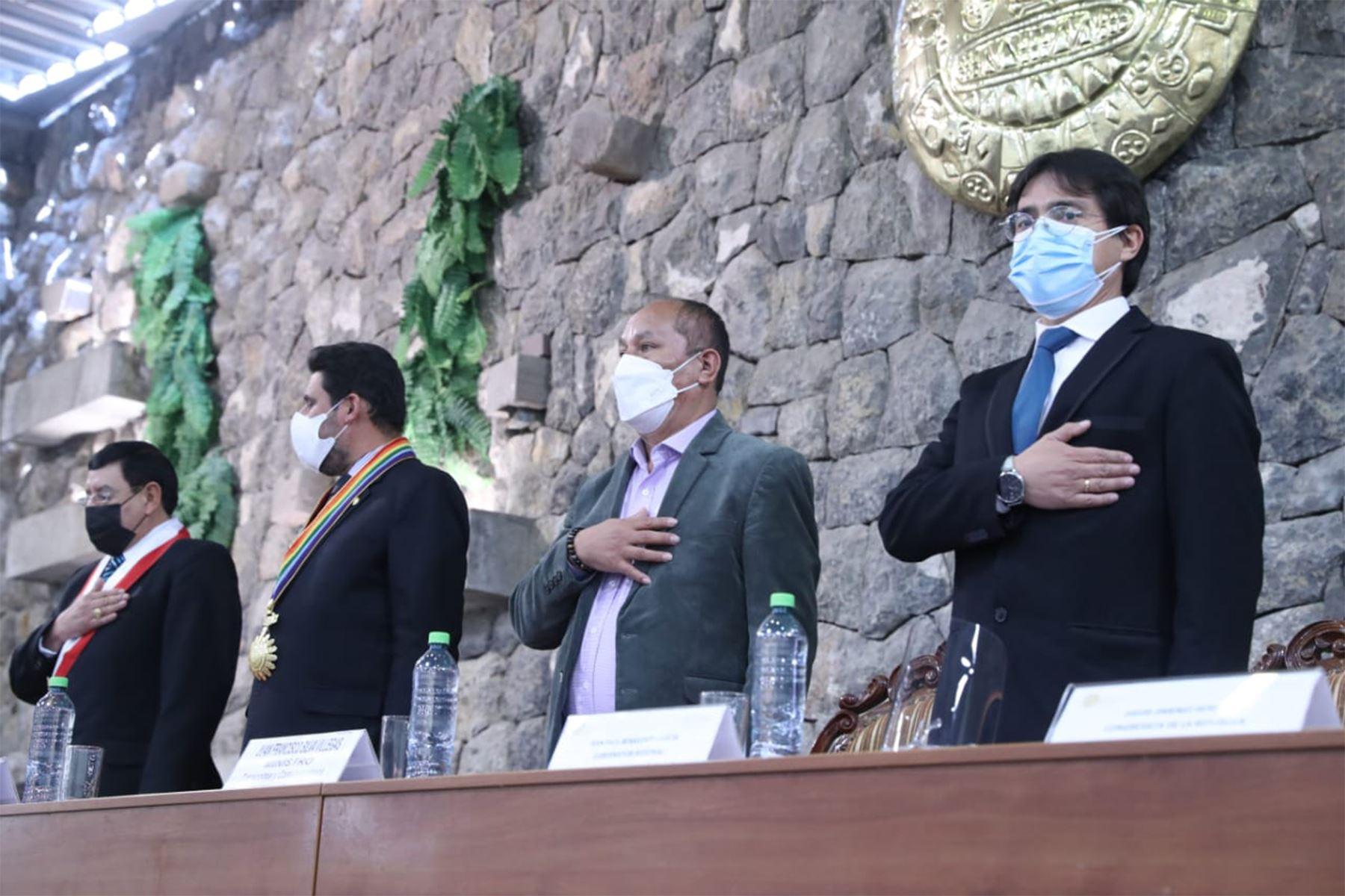El ministro de Transportes y Comunicaciones, Juan Silva participa en la primera audiencia pública descentralizada de la Comisión de Transportes y Comunicaciones del Congreso ,en la región Cusco. Foto: MTC