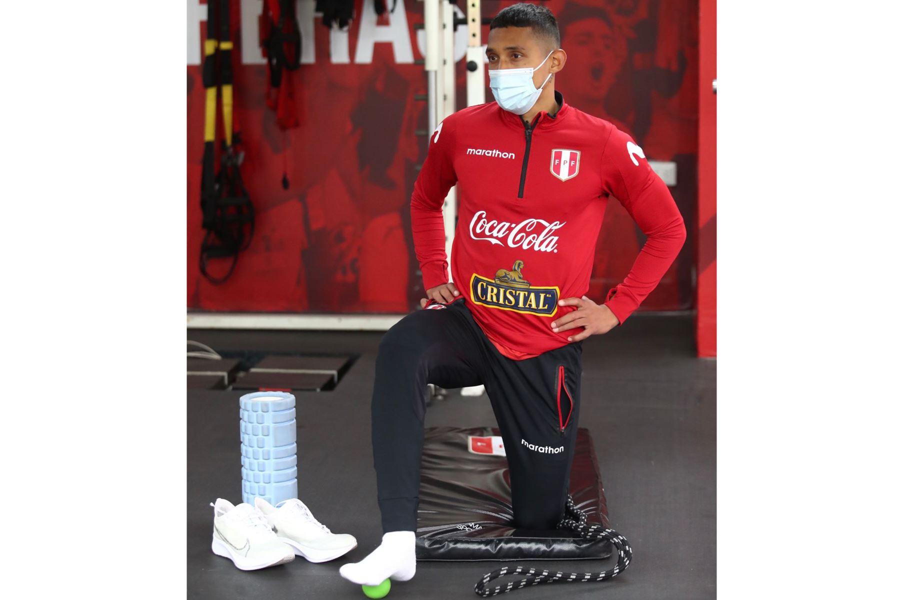 Integrantes de la Selección Peruana , inician los entrenamientos con miras a la próxima fecha triple de las Clasificatorias al Mundial Qatar 2022. En la foto, Christofer Gonzales . Foto: @SeleccionPeru