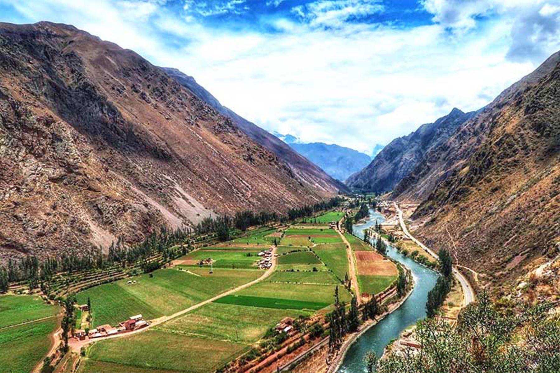 El Qhapaq Ñan o Camino Inca, en la región Cusco, invita a una travesía única que permite apreciar, durante cuatro días, la sobrecogedora belleza del Valle Sagrado con sus montañas nevadas. Foto: ANDINA/ Difusión