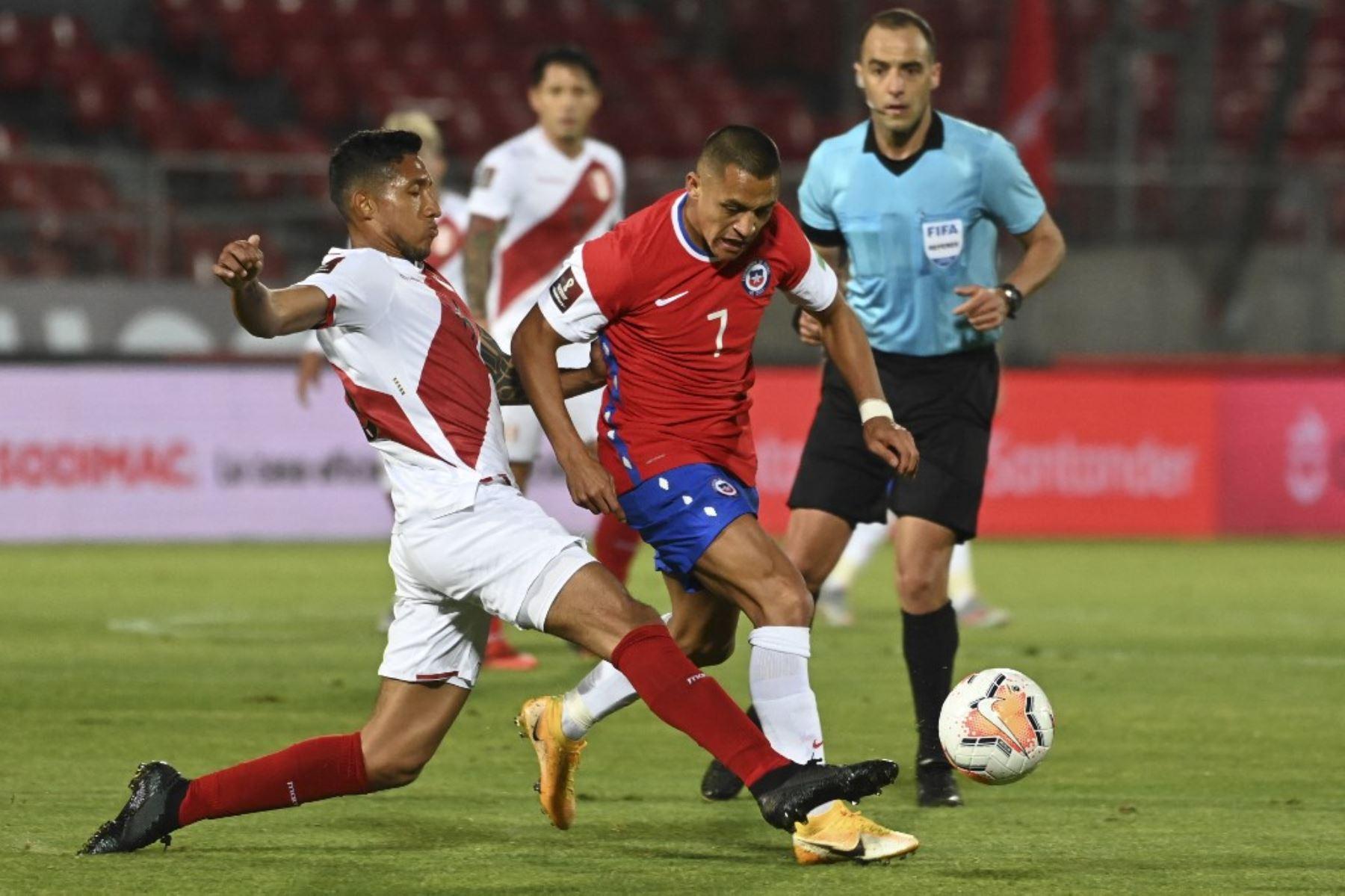 Chile sumó hoy a Alexis Sánchez para enfrentar a Perú el jueves en Lima