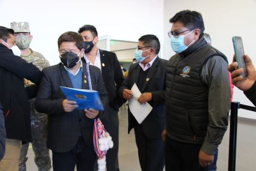 Presidente del Consejo de Ministros llega a Puno para la instalación de la Mesa de trabajo para la Implementación del Plan de Acción de la cuenca de Llallimayo
