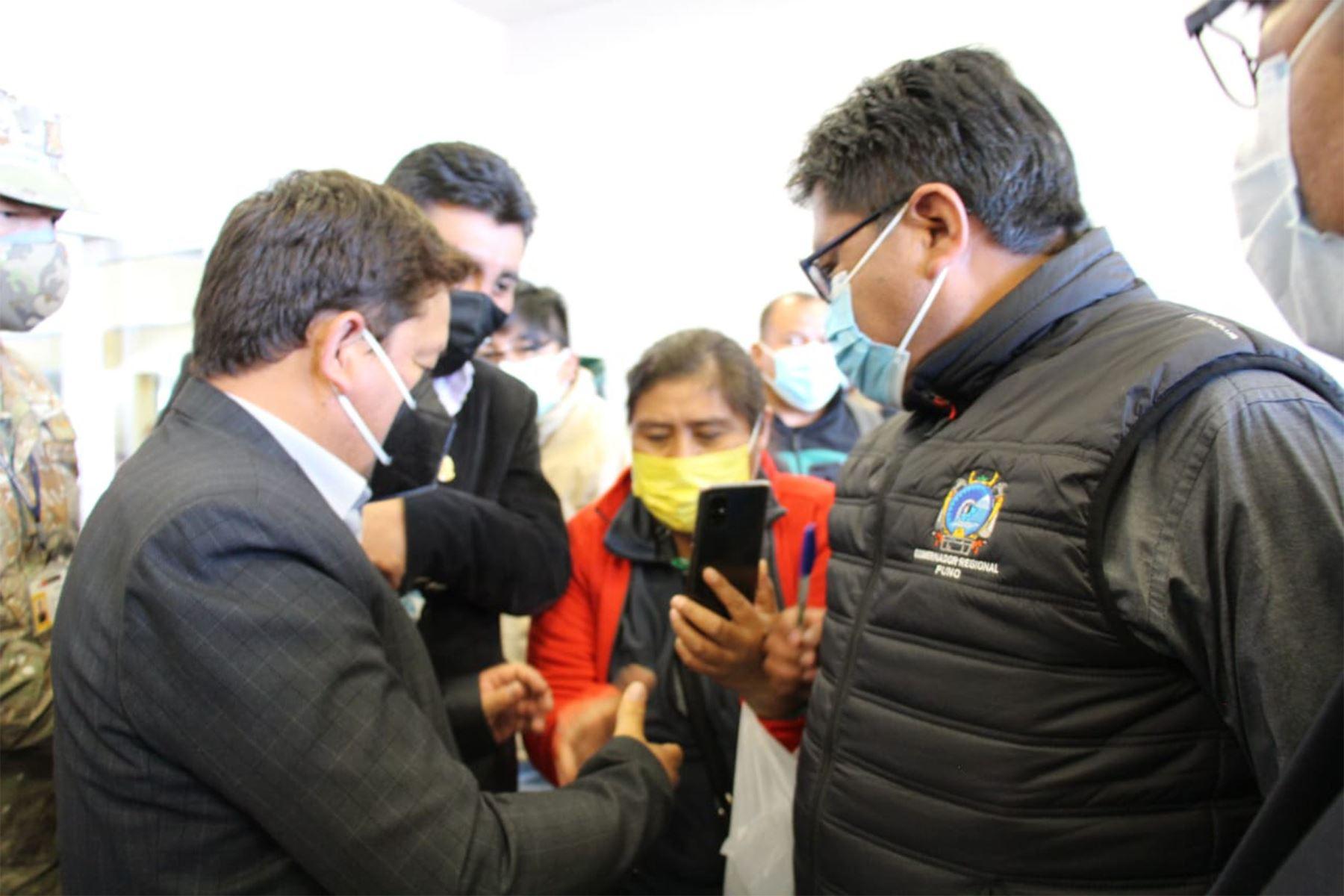 Presidente del Consejo de Ministros, Guido Bellido, llegó a Puno para la instalación de la Mesa de trabajo para la Implementación del Plan de Acción de la cuenca de Llallimayo y reunirse con los alcaldes de la Asociación de Municipalidades de la Zona Norte de este punto del país. Foto: PCM