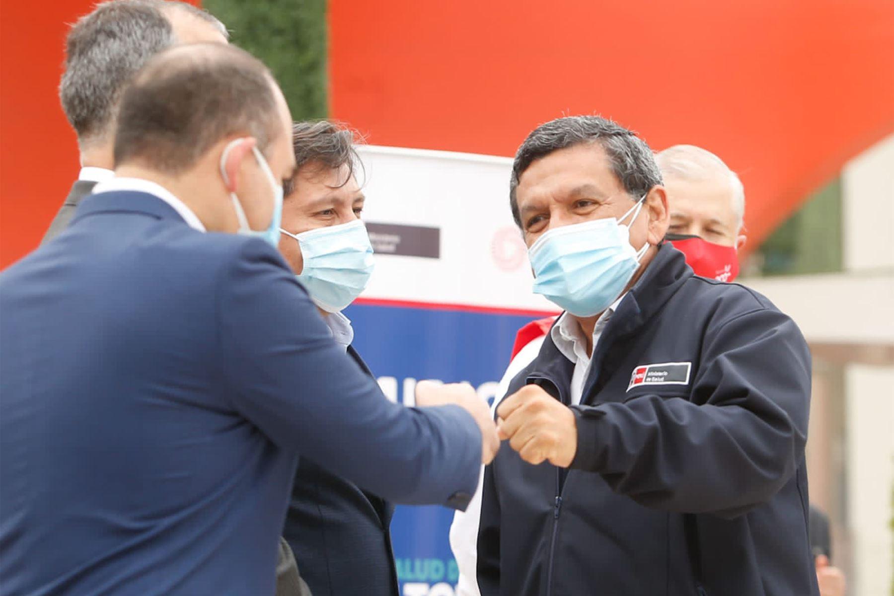 Empresas de telecomunicaciones Bitel, Entel, Claro y Movistar se suman al esfuerzo del Ministerio de Salud de cerrar brechas de vacunación y anuncian grandes beneficios para quienes se vacunen. Foto: Minsa