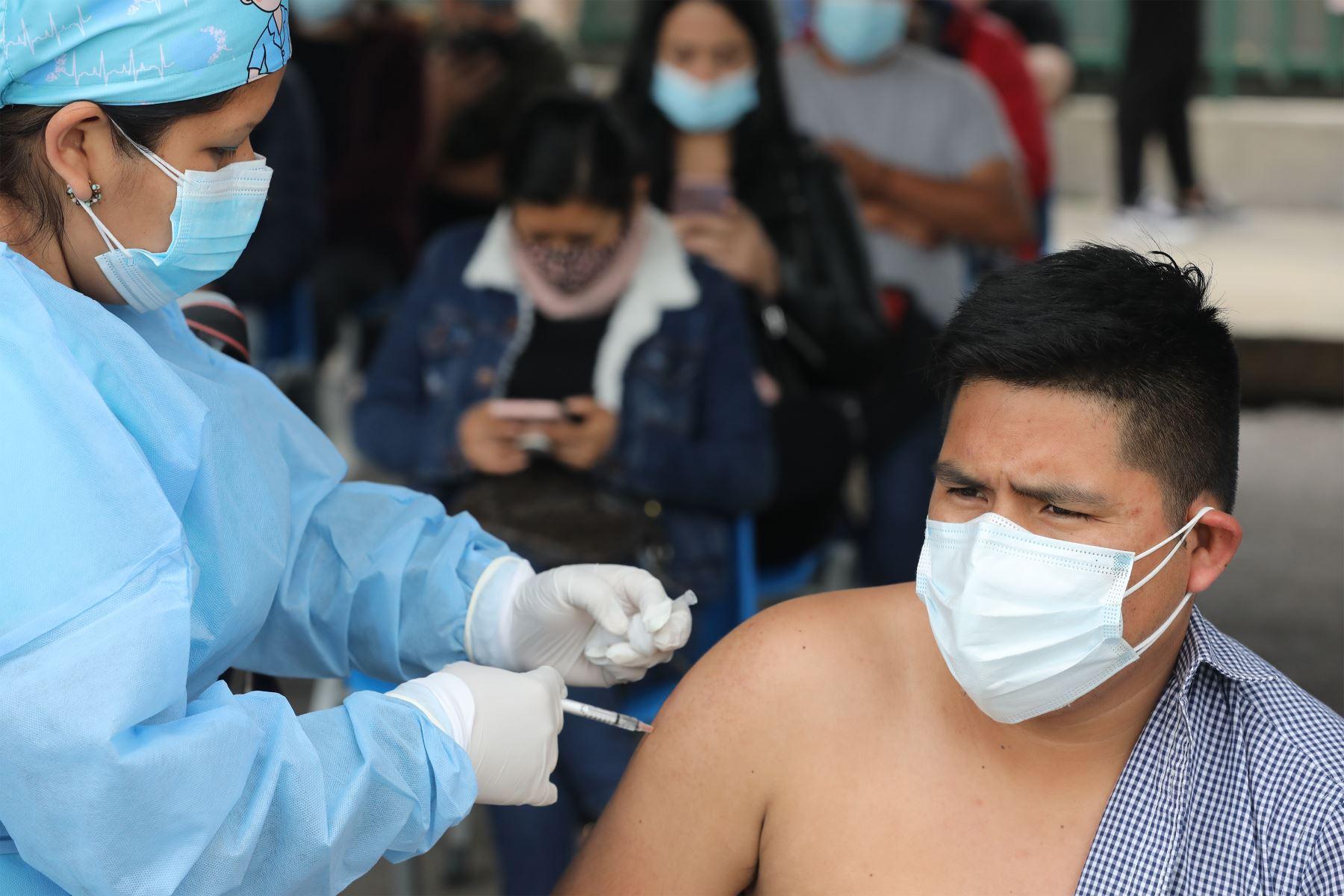 Covid-19: Perú ya logró aplicar más de 27 millones de dosis de la vacuna