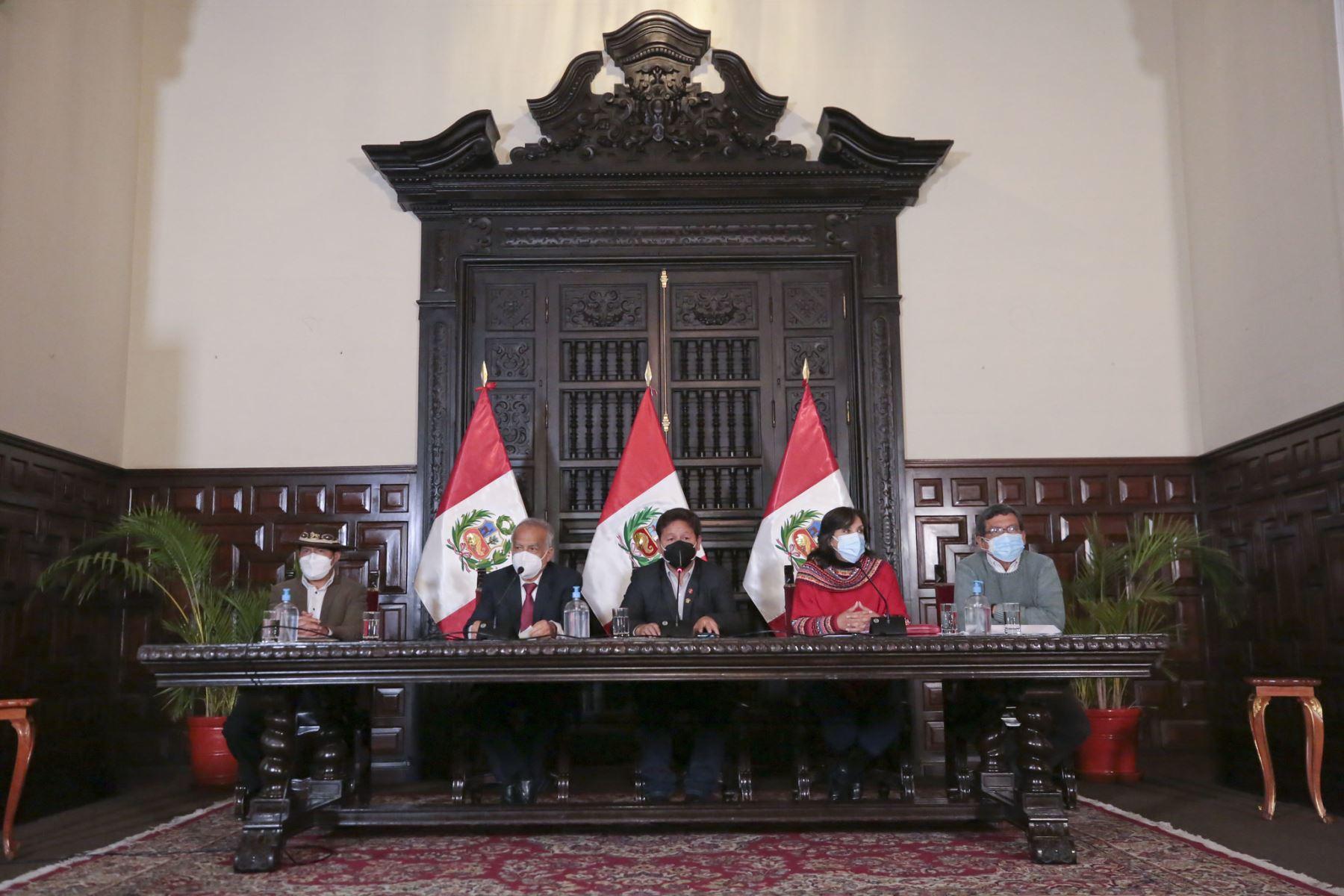 Perúpetro ejecutará negociación sobre gas de Camisea, señala jefe del Gabinete