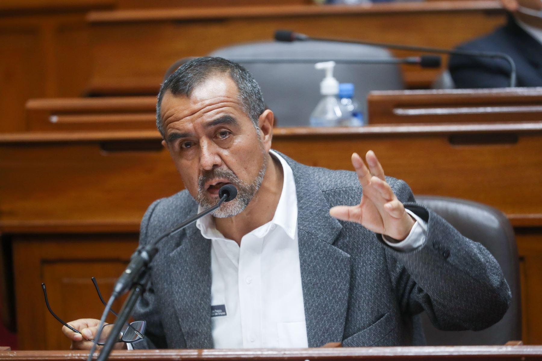 Ministro de Trabajo Iber Maraví rechaza vínculos con Movadef