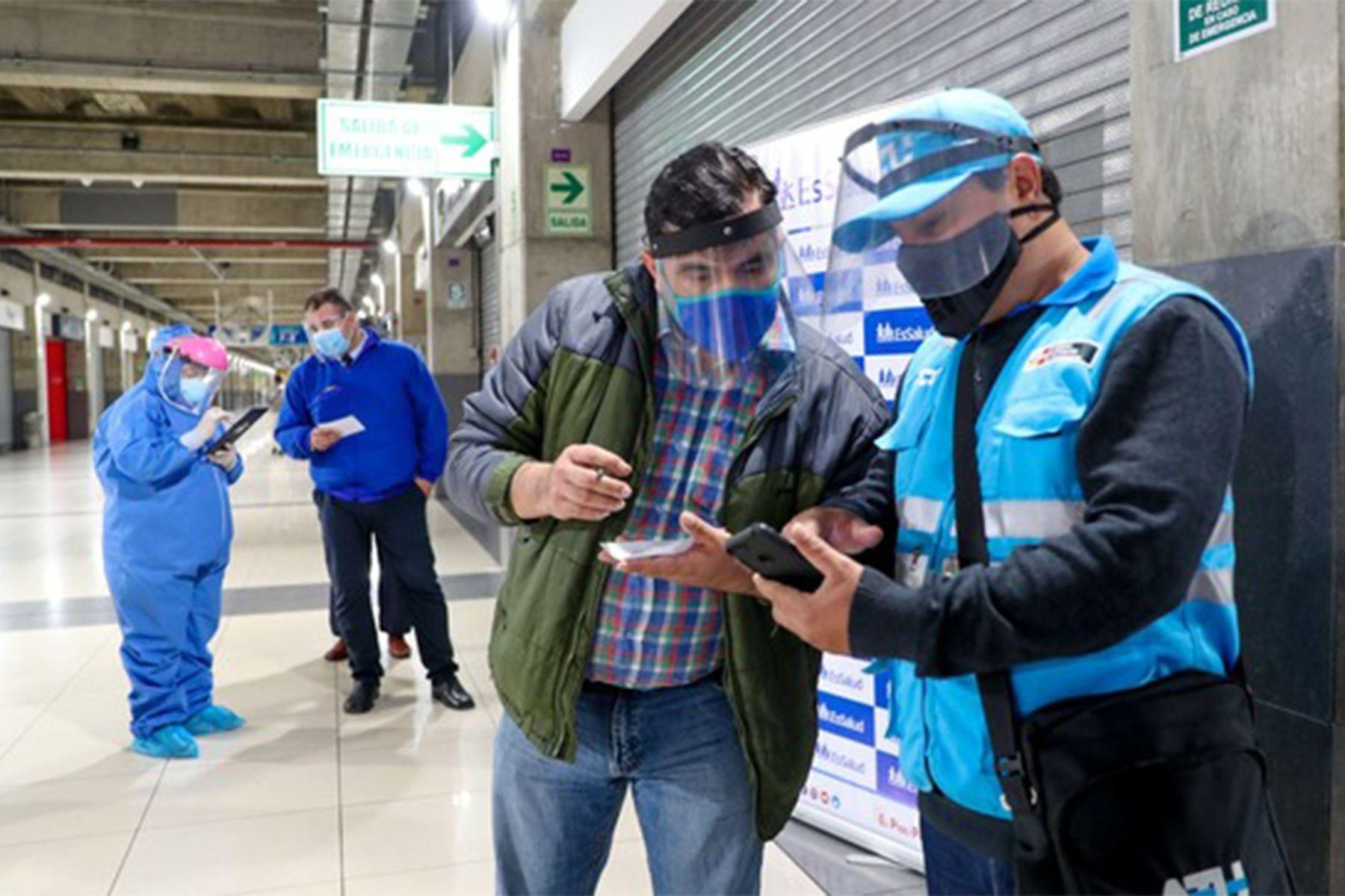Covid-19: ATU y Minsa se unen para vacunar en estación Central del Metropolitano