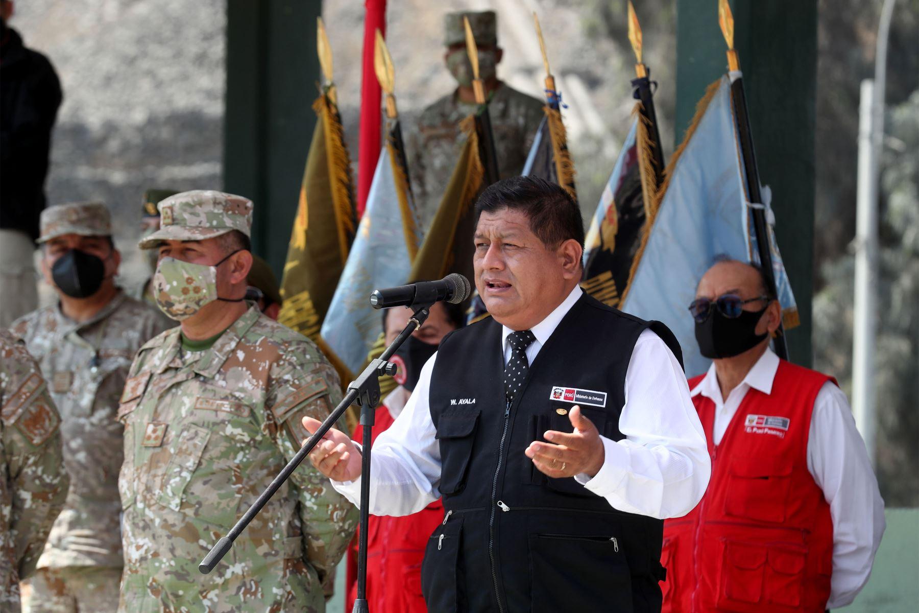 Ministro de Defensa realiza visita inopinada al Hospital Militar Central